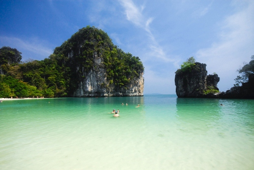 Thailand with its golden temples to lush, green forests; ancient ruins to exotic nightlife.